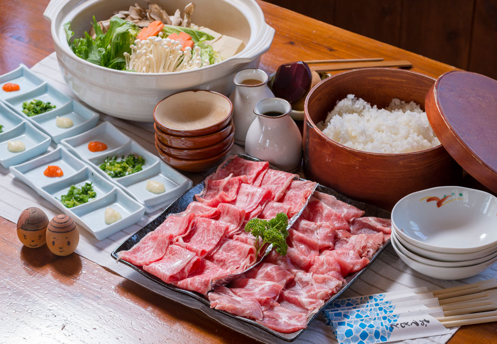 『信州食材』のしゃぶしゃぶ(The Shinshu food (beef and pork) shabu-shabu)